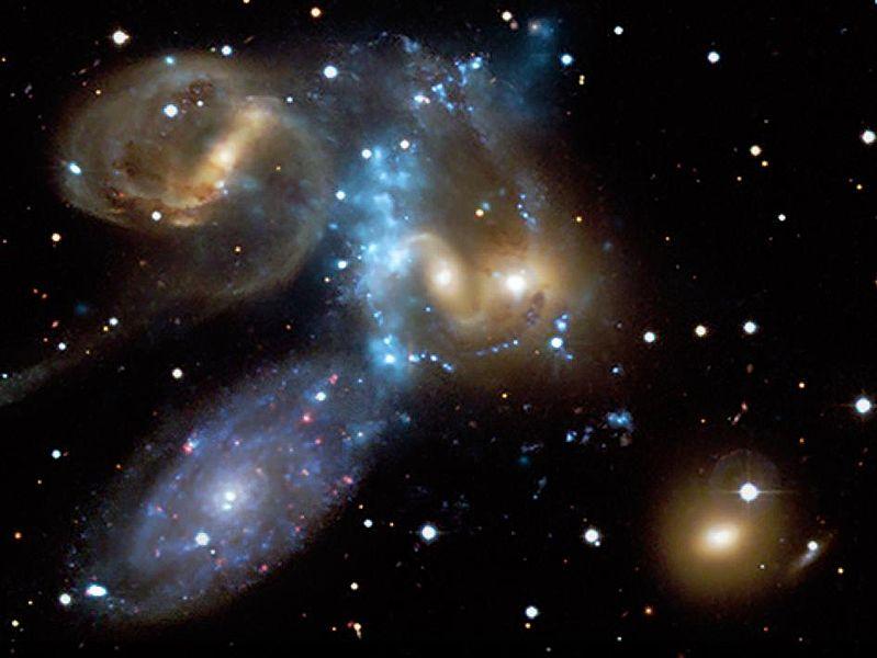 colliding galaxies,galaxy merger,galaxy collision