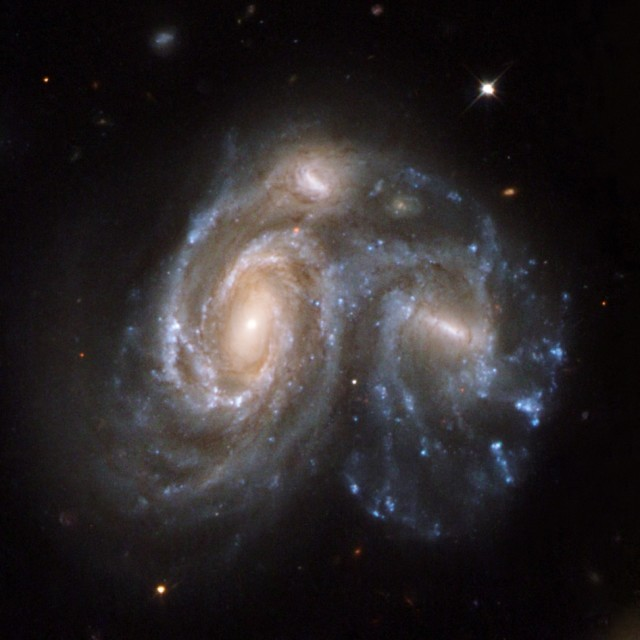 galaxy collision,colliding galaxies,spiral galaxies,ngc 6050,ic1179