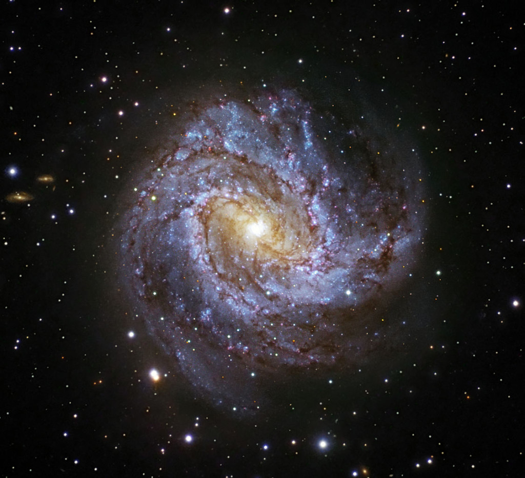 m83,barred spiral galaxy,hydra constellation