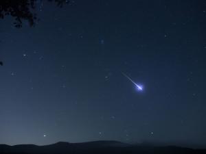 perseid meteor,pleiades