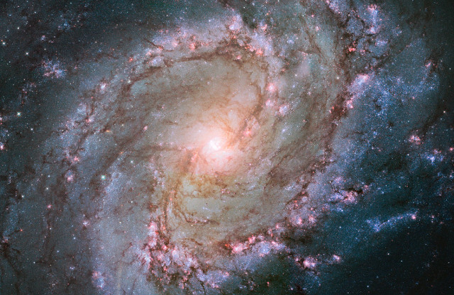 m83,southern pinwheel galaxy