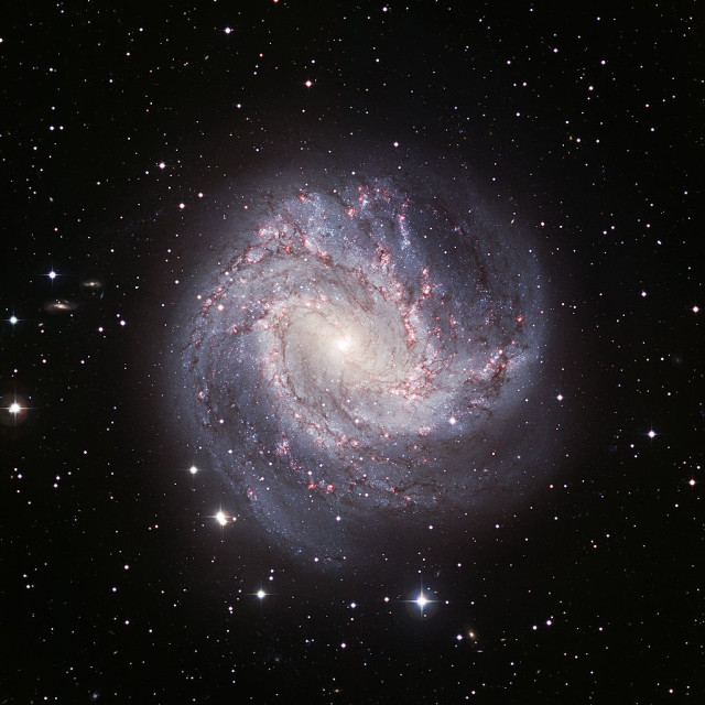 messier 83,barred spiral galaxy