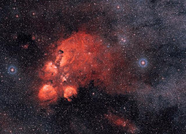 ngc 6334,bear claw nebula