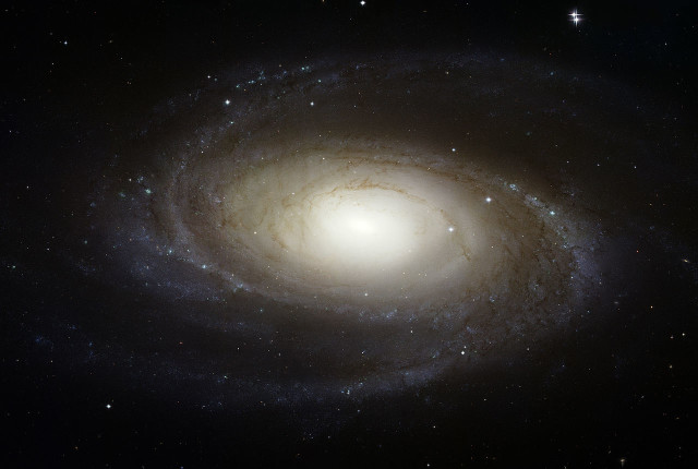 messier 81,barred spiral galaxy