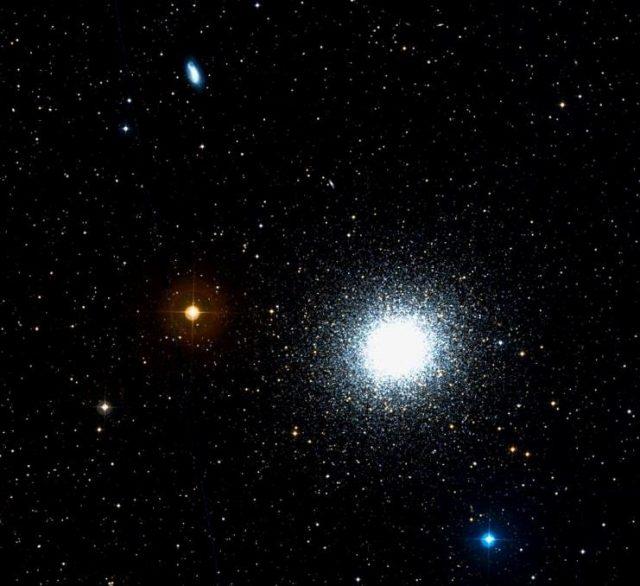 ngc 6207,hercules globular cluster