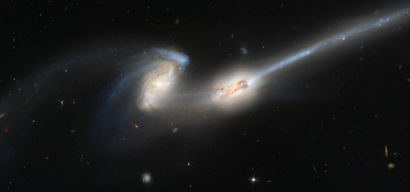 ngc 4676,interacting galaxies